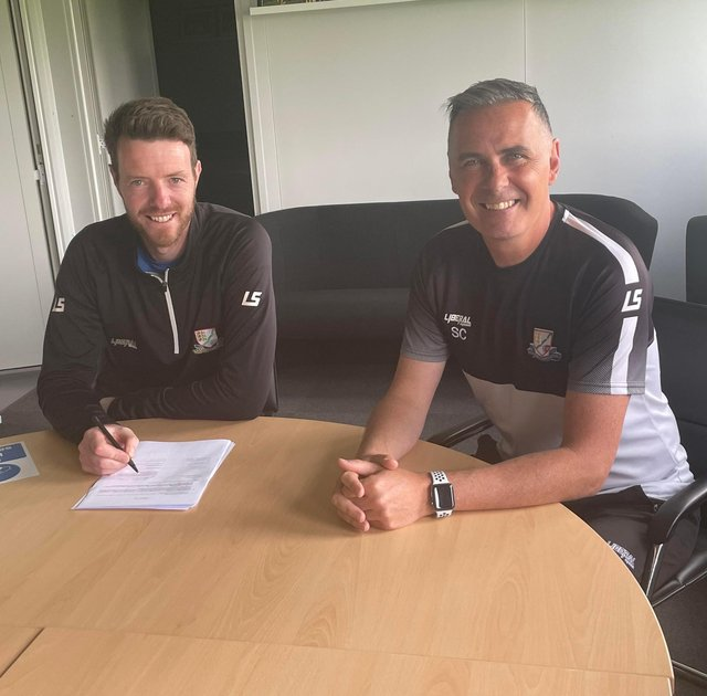 Basford United manager Steve Chettle (right) with new signing Adam Collin who arrives from Kettering Town (image: Basford United Football Club)