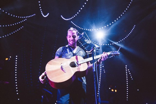 James Morrison's next tour will include gigs at venues in Nottingham and Sheffield (Photo credit: Oliver Halfin)