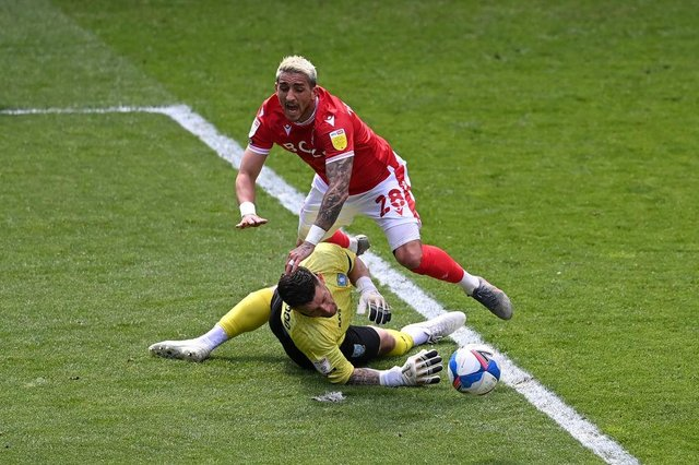 Nottingham Forest were awarded a penalty after Anthony Knockaert was brought down by Sheffield Wednesday goalkeeper Keiren Westwood.